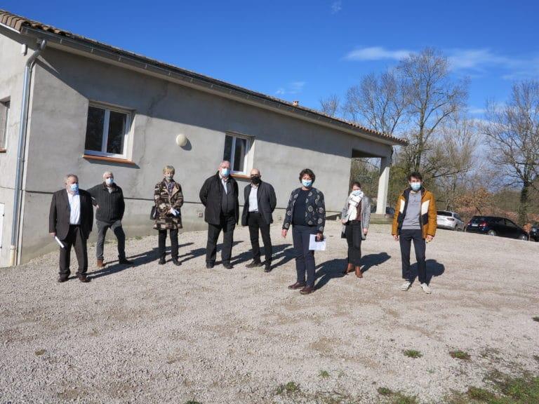 Visite de la vice présidente de la région sur le site de la Maison des Associations de La Salvetat Belmontet